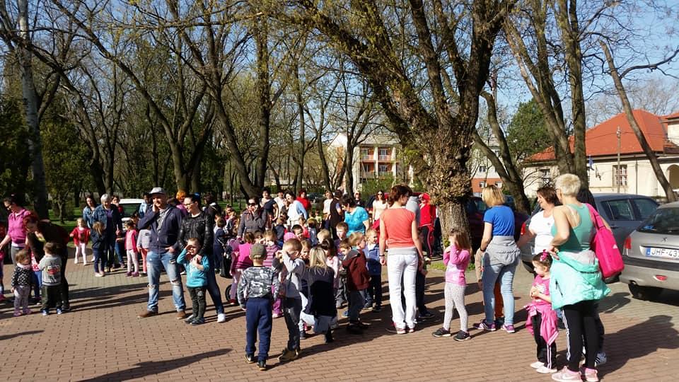 Hétszínvirág Óvoda - 164 gyerek + 74 szülő